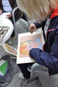 Stadtfest FinE 2017 - Künstlerin bei der Arbeit